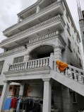 别墅单层出租,面积大,停车方便,装修豪华